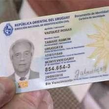 Uruguay comienza a expedir el nuevo pasaporte electrónico.