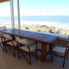 Comedor con vista al mar