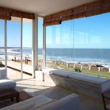 Segundo Living con vistas océanicas