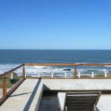 Balcón terraza con vistas al océano