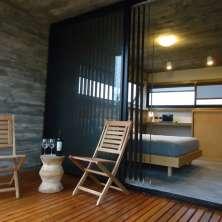 Dormitorio con deck terraza