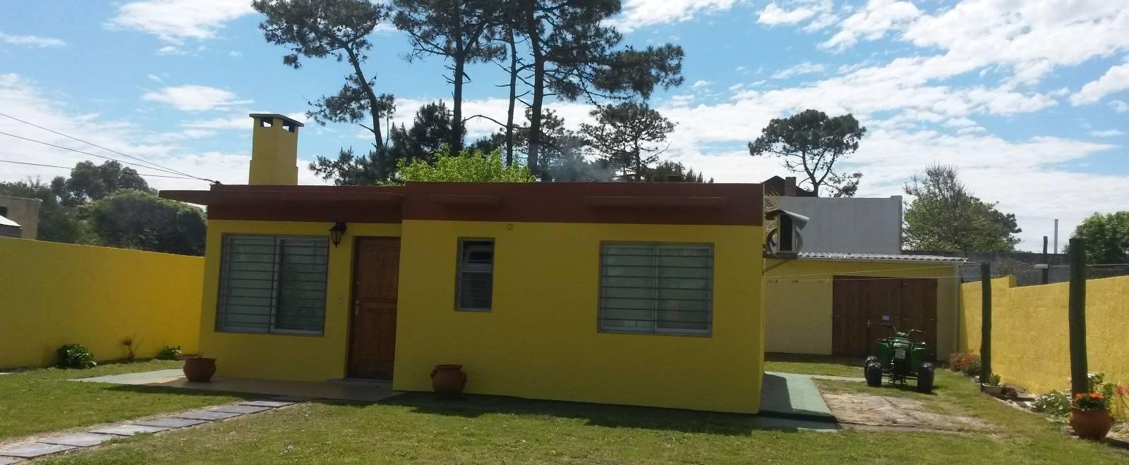 casa a la venta ubicada en zona c ntrica del balneario la