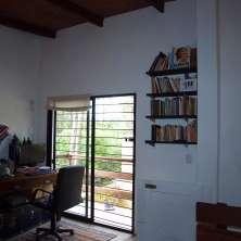 Escritorio con balcón
