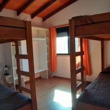 Dormitorio single con placard