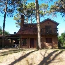Cuatro hermosas casitas  ubicadas en el mismo padrón, en la zona de Barrio Country, La Paloma