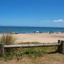 Acceso directo a la playa desde propiedad