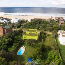 Really nice property for sale just a few meters from El Desplayado beach in La Pedrera resort