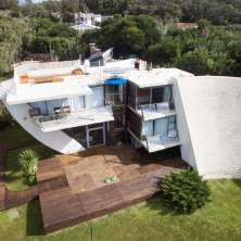 Great property for sale in a highly desirable location in La Pedrera seaside resort
