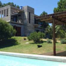 Modern and solid property located in the exclusive resort called San Antonio in a natural setting