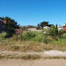 Gorgeous plot located just meters from the well known beach called La Balconada