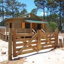 Cálida casa de madera ubicada en un hermoso entorno de pinares en la zona de Anaconda