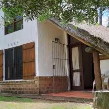 Confortable  casa en un tranquilo entorno con amplio jardín en Playa Serena, La  Paloma