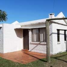 Cómoda y funcional casa en amplio terreno a escasos metros de la Playa Anaconda