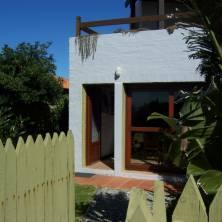 Entrada posterior de la casa