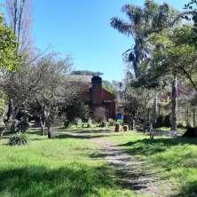 Casa con hermoso jardín y cómoda ubicación dentro de Barrio Country, Balneario La Paloma