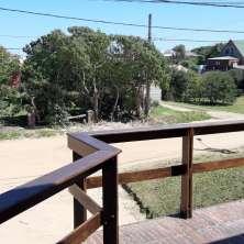 Balcón con vistas al frente de la propiedad