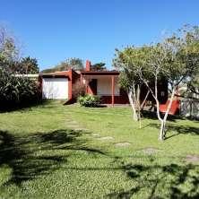 Casa de época en cómoda ubicación muy cercana a la playa del Desplayado, Balneario La Pedrera